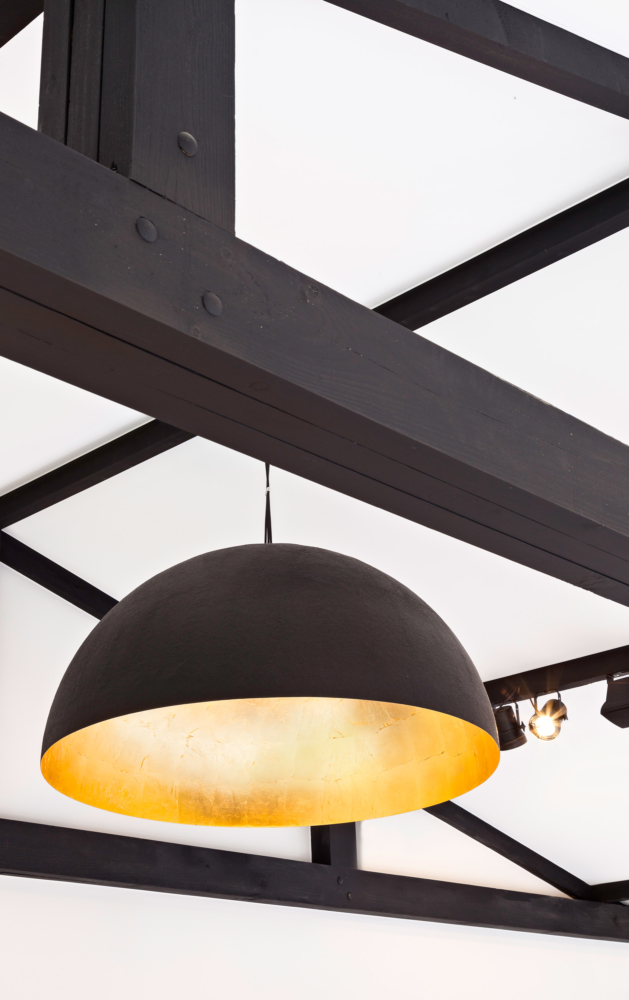 photo by Bert Vereecke of interior detail (restaurant Hula, Heule) for Kanvas Spanplafonds