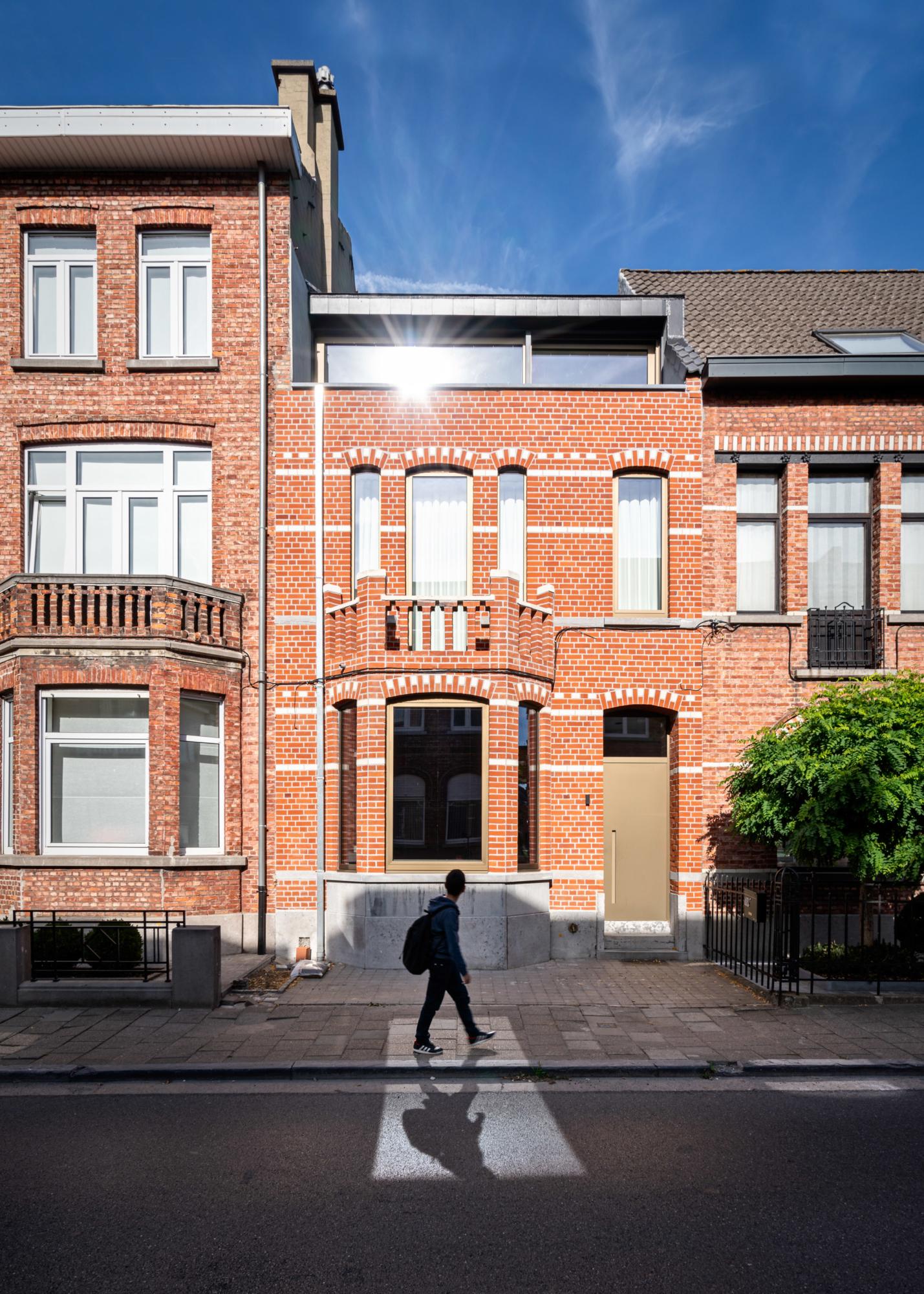 photo by Bert Vereecke of exterior (Aalst) for Objekt Architecten