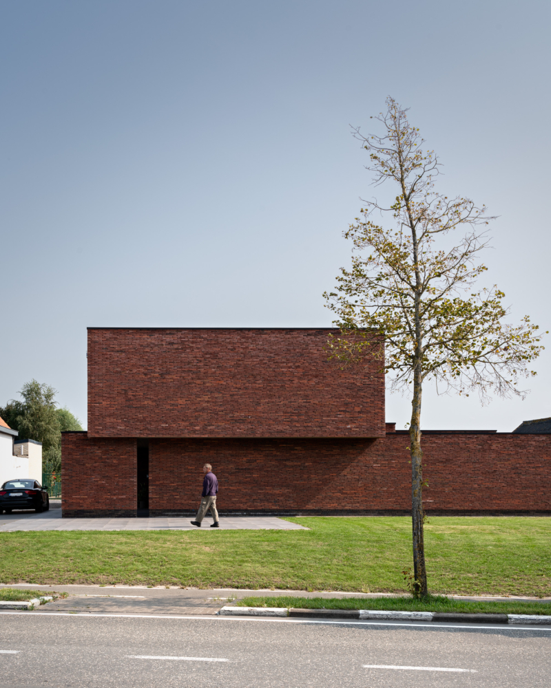 photo by Bert Vereecke of exterior (Bentille) for Acke-Van Wynsberghe